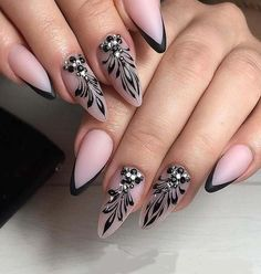 Easy and Chic Nail Art Designs Home Page Chic Nail Art, Chic Nails, Stylish Nails, Beautiful Nail Art, Gorgeous Nails, Pretty Nails, Swirl Nail Art, Nagellack Design, Modern Nails