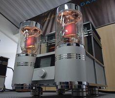 833 TNT Audio Power Labs / Salon-High-End-2013