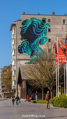 Belgian coastal town Oostende sees the Contemporary Art Festival The Crystal Ship return to the city for the second year. #streetart #Belgium #Hookedblog Grafitti Street, Murals Street Art, 3d Street Art, Street Artists, Graffiti Artwork, Mural Wall Art, Banksy, Amazing Street Art, Land Art
