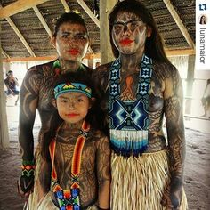 Beauty of the #Yawanawa tribe from the #AmazonRainforest ⚡✌ Wearing beaded bracelets, necklaces, & headbands. Charged with love for the planet, love for #MotherEarth, love for humans, love for animals, #love for all. #repost @lunamaior @repostapp #handmadejewelry #sacredgeometry #shaman #sustainablejewelry #spiritjunkie #nature #amazonrainforest #savetgerainforest #palmoil #globalwarming #shopnow #supportwomen #shop #spiritualfashion #spiritualgangster #yogapose #lightwarrior…