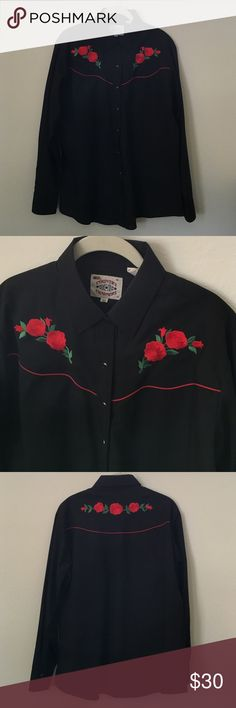 Rose Embroidered Pearl Snap Western Shirt Could fit XL women's or men's large. Vintage Tops Button Down Shirts