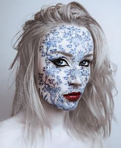 Artistic self-portrait by Flóra Borsi.