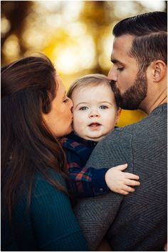 Ah this makes me melt 6 Month Baby Picture Ideas, First Family Photos, Family Photos With Baby, Outdoor Family Photos, Family Christmas Pictures, Family Family, Outdoor Baby Pictures, Father Son Photos, Winter Family Photos