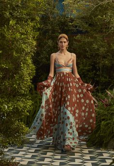 Get inspired and discover Silvia Tcherassi trunkshow! Shop the latest Silvia Tcherassi collection at Moda Operandi. Fashion 2020, Fashion News, Boho Fashion, Spring Fashion, Autumn Fashion, Fashion Outfits, Fashion Design, Fashion Trends, Dot Dress