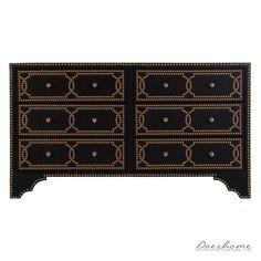 Buffet Salzburg, de estilo art decó. Mueble de madera de DM en negro, combinado con piel negra.