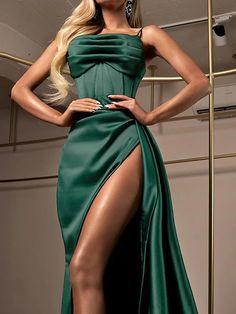 Glam Dresses, Cute Prom Dresses, Prom Outfits, Pretty Dresses, Fashion Dresses, Stunning Dresses, Elegant Dresses, Beautiful Outfits, Formal Evening Dresses