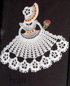 MÓJ ROBÓTKOWY ŚWIAT: Damy w kapeluszach Crochet Thread Patterns, Crochet Bookmark Pattern, Crochet Earrings Pattern, Crochet Bookmarks, Crochet Motif, Holiday Crochet, Crochet Gifts, Crochet Dolls, Crochet Wall Art