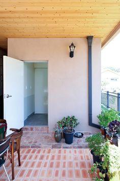 아내의 건강 회복을 위해 지은 천안 프로방스 주택 : 네이버 포스트 Patio, Outdoor Decor, Home Decor, Decoration Home, Room Decor, Home Interior Design, Home Decoration, Terrace, Interior Design