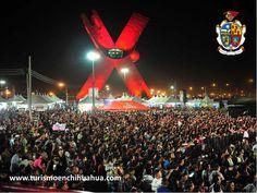 TURISMO EN CIUDAD JUÁREZ. El año pasado la Fiesta Juárez, rebasó los 350 mil visitantes, por lo cual, para le edición 2015, se ampliará a 3 semanas a partir del día 25 de Septiembre. A su vez aumentarán los expositores y espacio en las inmediaciones de la Plaza de la Mexicanidad. También se instalarán tres auditorios para la presentación de espectáculos, incluido un circo, teatro del pueblo y un rodeo. #turismoenchihuahua