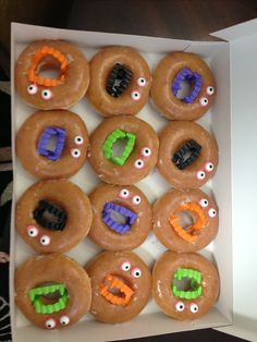 Halloween treat or easy bake sale idea! These flew off the table tonight. Comida De Halloween Ideas, Dulces Halloween, Soirée Halloween, Halloween Class Party, Halloween Treats For Kids, Halloween Activities For Kids, Holiday Treats, Holiday Fun, Halloween Donuts