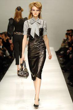 Moschino Fall 2005 Ready-to-Wear Fashion Show - Heather Marks