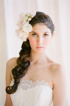 Estilos y peinados para novias con trenzas #bodas #peinados #novias