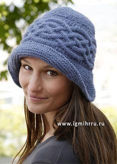 Голубая шляпка с арановыми узорами. Спицы
