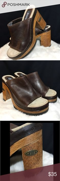 🌸Bongo Dark Brown Leather Mule Clogs~ never worn 🌸These BONGO Real dark brown leather with real wood Mule Clogs are really comfy & cute ~ never got the chance to wear them ~ have any questions please kindly ask ~😊🌸💕 BONGO Shoes Mules & Clogs