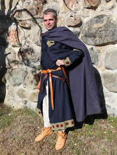12th century nobleman in typical garmets.