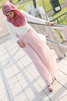 #HIJABIGAL loves this look - so beautiful, elegant and modest! Much love.