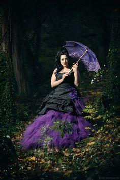 Feist Curve Size - Lucardis Feist - Extravagante Brautmode, Hochzeitsanzüge und ausgefallene Gehröcke Feist Style, Bridezilla, Kawaii Anime, Lavender, Ballet Skirt, Purple, Wedding, Gothic, Beauty
