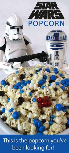 Star Wars Popcorn - this is the popcorn you've been looking for! So easy to make and it tastes delicious. Sweet, salty and crunchy, it would be a great Star Wars Party Food or a fun dessert for your Star Wars movie watching party! Star Wars Baby, Theme Star Wars, Star Wars Food, Star Wars Kids, Star Wars Party Food Snacks, Star Wars Pinata, Birthday Star, Birthday Parties, Birthday Kids