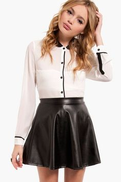 Leather skirt <3 i need this whole outfit though