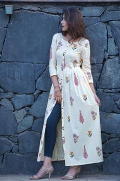 Dress Indian Style, Indian Dresses, Indian Outfits, Frock Fashion, Fashion Dresses, Mode Kimono, Kurta Designs Women, Kurti Designs Party Wear, Designs For Dresses