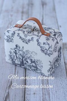 自宅レッスンHP → MA MAISON BLANCHE いよいよ本日からRojiura market始まります。 阪急西宮店1階キャトルセゾン...