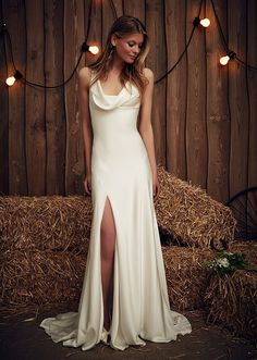 Casual Chic: 50 Less Formal Minimalist Wedding Gowns