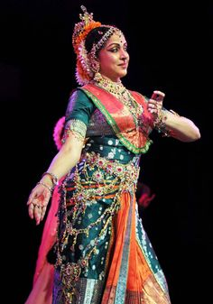 Bollywood Dance :Hema Malini