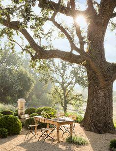 Our Outdoor Dining Room via Veranda.com #patinafarm #giannettihome