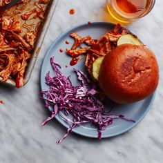 How to Make Pulled Pork in a Slow Cooker
