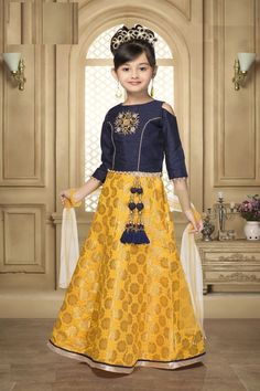 Latest Yellow Color Sumilon Jacquard Zardosi And Peral Work Party Wear Lehenga Choli Enhance your little angel's ethnic charm by making her wear this beautiful yellow color lehenga choli. Let her team this set with a pair of sandals for a fashionable look Kids Dress Wear, Kids Gown, Girls Party Dress, Kids Wear, Kaftan, Indowestern Lehenga, Kids Lehenga Choli, Choli Dress, Kids Party Wear