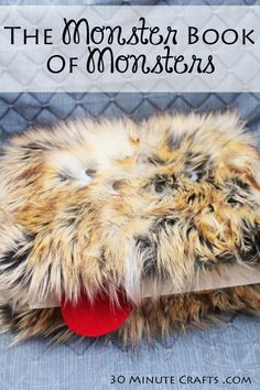 DIY Monster book of Monsters in just 30 Minutes Harry Potter Day, Harry Potter Castle, Harry Potter Friends, Harry Potter Wedding, Harry Potter Birthday, Harry Potter Halloween Party, Harry Potter Christmas Tree, Fun Crafts For Teens, Harry Potter Printables