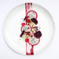 Vietnamese dragon fruits / dehydrated purple dragon fruits / pomegranate / frisée / beet purée • สลัดแก้วมังกร