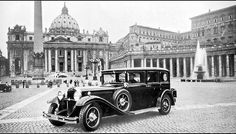 The 1930 Mercedes-Benz Nürburg 460 is the first car acknowledged as a formal Popemobile, built specifically for Pope Pius XI as a gift from Daimler Benz AG. 911 Turbo S, Porsche 911 Turbo, Mercedes Benz, Best Gas Mileage, Daimler Benz, Dreams And Visions, New Honda, Car Images, First Car