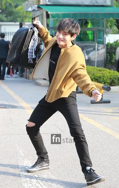 [OFF STAGE] 150501: BTS V (Kim Taehyung) #bangtan #fashion #style #kfashion #kstyle #kpop #korean