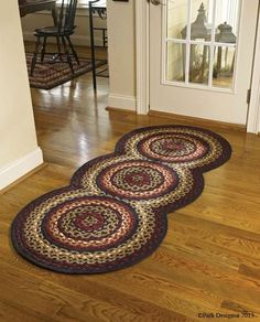Folk Art Braided Rug Runner by Park Designs. Shop EverythingPrimitives for Primitive, Country, and Rustic décor for your home. Crochet Carpet, Crochet Home, Crochet Rugs, Toothbrush Rug, Homemade Rugs, Knit Rug, Circle Rug, Art Populaire, Braided Rugs