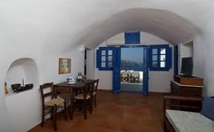Esperas Santorini Hotel - Located in Oia with best sunset and caldera view Santorini Hotels, Best Sunset, Amazing Sunsets, Hotel Offers, Nice View, Houses, Vacation, Traditional, Home Decor