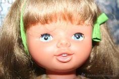 antigua muñeca de famosa