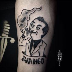 Django Reinhardt tatuado no Mateus, o desenho original é do designer @alejandromila com algumas adaptações.  ---------------- #broncotattoo #tattoo #tatuagem #tattoaria #pontilhismo #dotwork #blackwork #blackworkerssubmission #darkartists #btattooing #curitiba #onlyblackart #inkstinctsubmission #tattrx #Equilattera #tattoodo #ideafixa #electricink #theartoftattoos #InspirationTatto #tattoo2me #blackboldsociety #djangoreinhardt