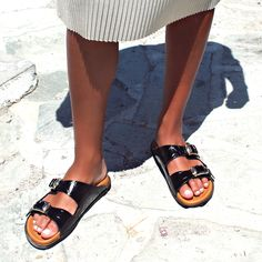 This season, let your animal instincts take over with this sophisticated croc-stamped pair. In a versatile, yet impactful black hue, these slides will elevate your beachwear instantly! 🏖️🌞❤️👒⛱️💠  #papanikolaoushoes #shecollectionofficial #slides #sandals #flats #leathershoes #fashionshoes