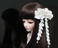 Hey, I found this really awesome Etsy listing at https://www.etsy.com/listing/122500491/white-bjd-kanzashi-mini-flower-hair-clip