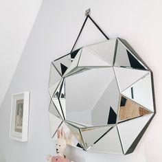 {At Home} Shine bright like a diamond – Flodeau