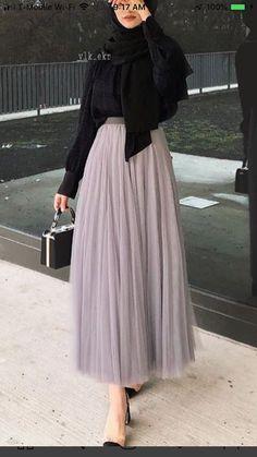 Skirts - Modern Hijab Fashion, Street Hijab Fashion, Muslim Fashion, Modest Fashion, Girl Fashion, Modest Dresses, Modest Outfits, Skirt Outfits, Chic Outfits