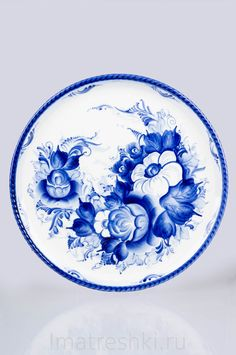 Estilo de arte russa chamada Gjel #russo #línguarussa #idiomarusso… Russian Blue, Russian Art, Decoupage, Pattern Art, Art Patterns, Bottle Cap Images, Handmade Journals, Mosaic Designs, My Journal