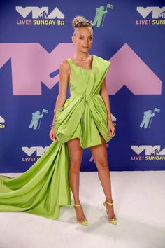 Best Dressed: MTV VMA's 2020 – Sarah In Style Nicole Richie, Barclays Center, Joey King, Iris Van Herpen, Jaden Smith, Bebe Rexha, Machine Gun Kelly, Keke Palmer, Bella Hadid