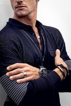 Máximo detalhe: joias para homens de todos os estilos