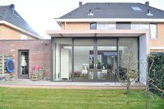Pergola Attached To House Extension Veranda, House Extension Design, Glass Extension, Roof Extension, House Design, Bungalow Extensions, House Extensions, Barbacoa Jardin, 1960s House