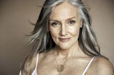 В свои 70 лет эта женщина выглядит как в 30