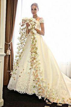 .Gorgeous Bridal Bouquet Keywords: #bridalbouquets #jevelweddingplanning Follow Us: www.jevelweddingplanning.com www.facebook.com/jevelweddingplanning/