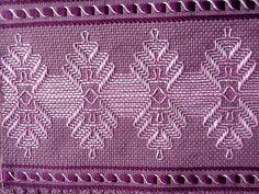 Resultado de imagen para vagonite Cat Cross Stitches, Cross Stitch Bookmarks, Swedish Embroidery, Crewel Embroidery, Bead Loom Patterns, Stitch Patterns, Swedish Weaving Patterns, Bargello Needlepoint, Monks Cloth