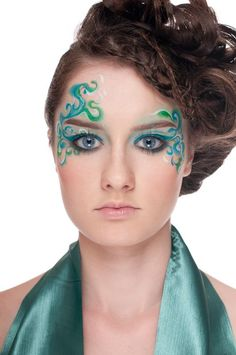 Carnival makeup: blue green